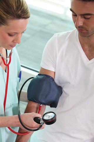 Bluthochdruck ist 2010 laut der Weltgesundheitsorganisation WHO zur größten globalen Gesundheitsgefahr aufgestiegen und weltweit an etwa 13 Prozent aller Todesfälle beteiligt.